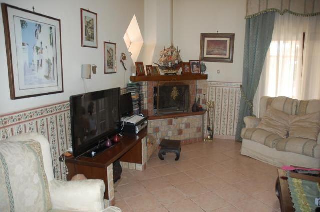 Cassia capranica villaggio rurale capranica cva435 for Immobiliare affitto ufficio roma