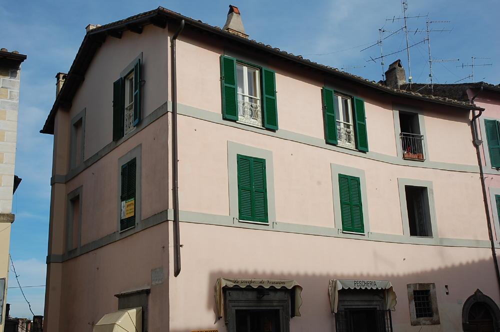 Capranica affitto stagionale capranica sta137 agenzia for Immobiliare affitto ufficio roma