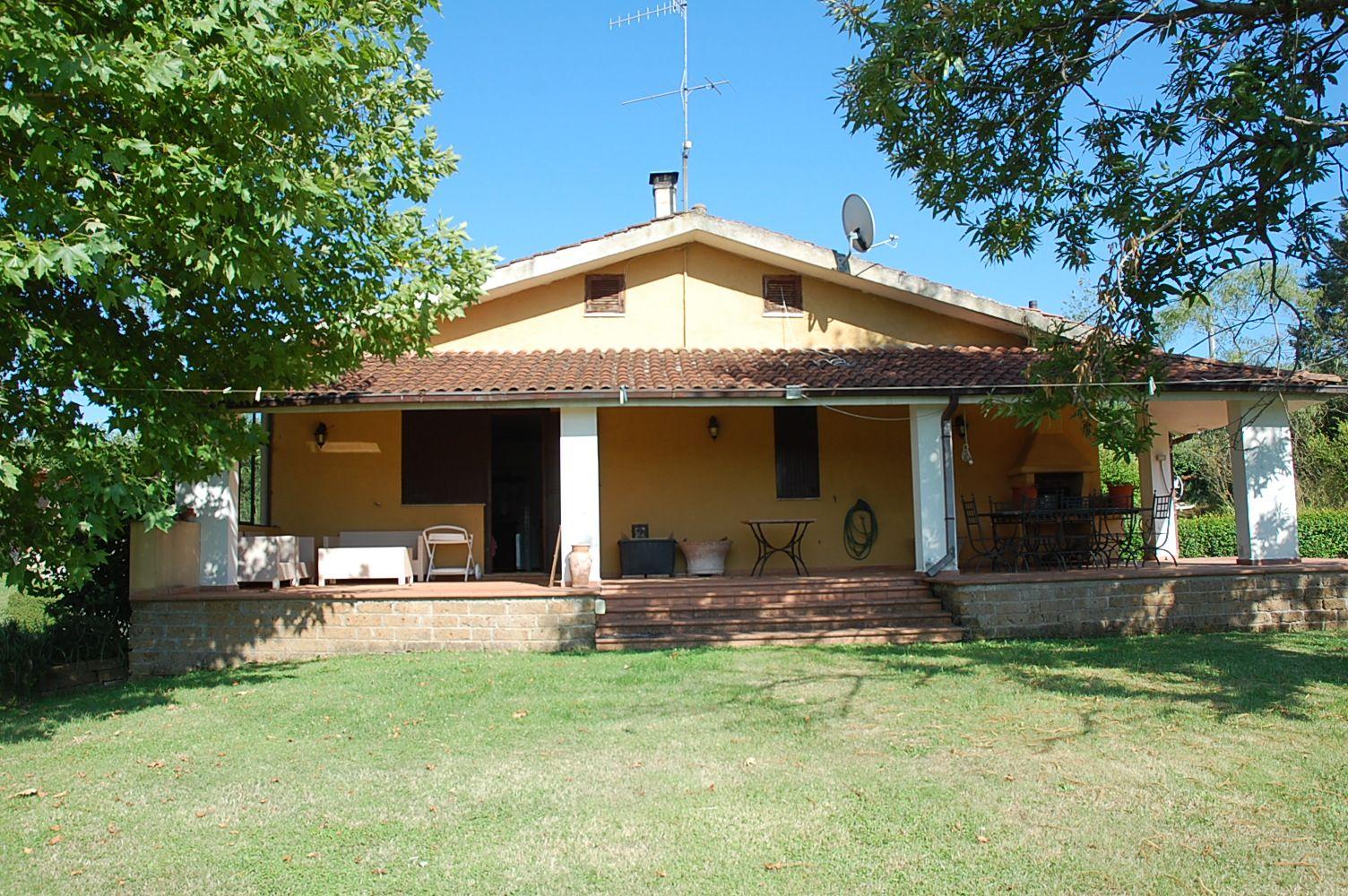 Capranica villa di campagna panoramica capranica cva453 for Cottage di campagna francese in vendita