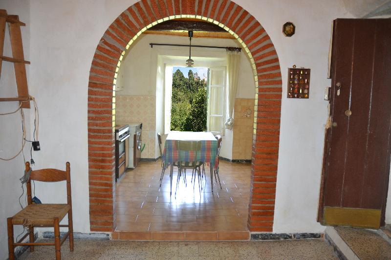 Centro storico appartamento indipendente capranica cs295 for Immobiliare affitto ufficio roma