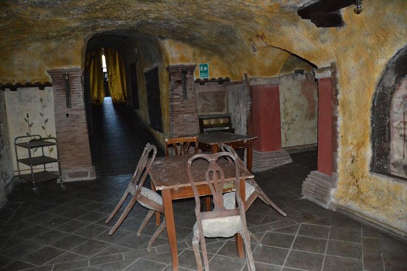 Centro storico locale ristrutturato capranica cs303a for Immobiliare affitto ufficio roma