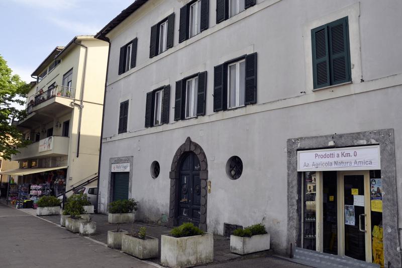 Centrale palazzo d 39 epoca appartamento capranica cs310 for Immobiliare affitto ufficio roma