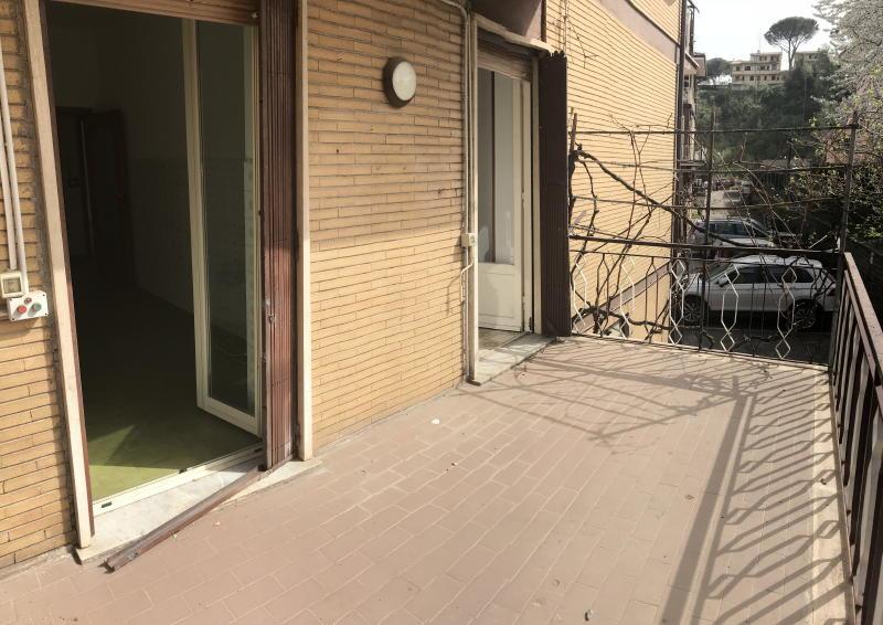 Capranica appartamento con terrazzo capranica cva505 for Immobiliare affitto ufficio roma