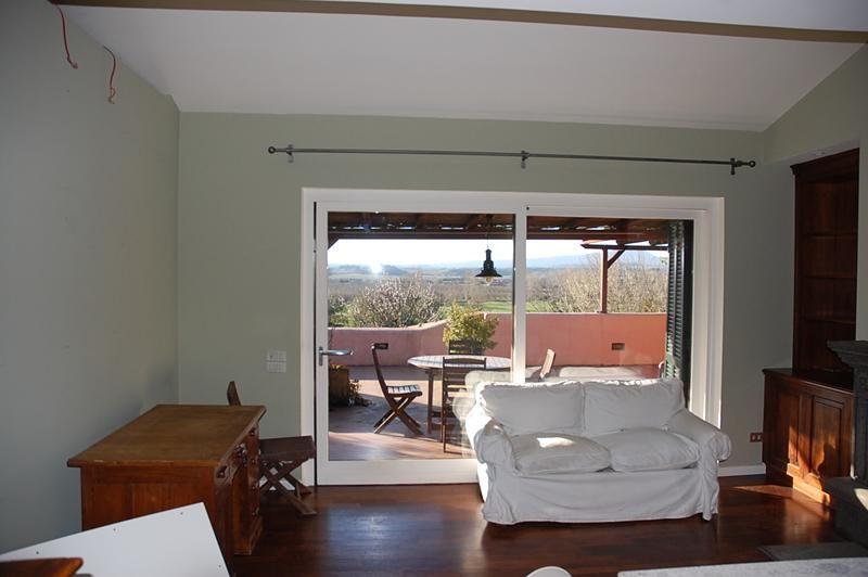 Sutri golf nazionale esclusivo con terrazzo panoramico for Immobiliare affitto ufficio roma