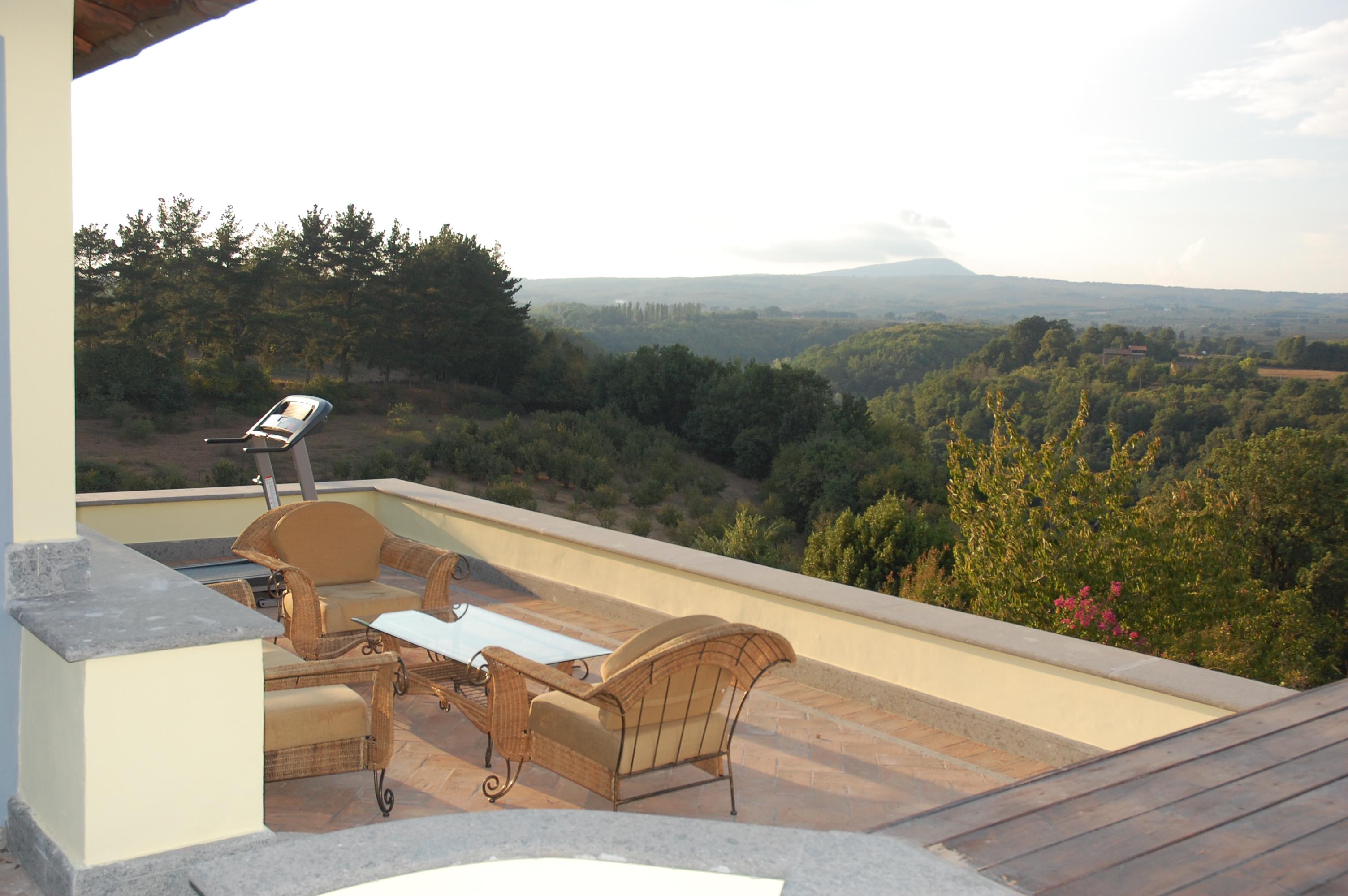 Sutri meravigliosa villa di prestigio sutri cva333 for Immobiliare affitto ufficio roma