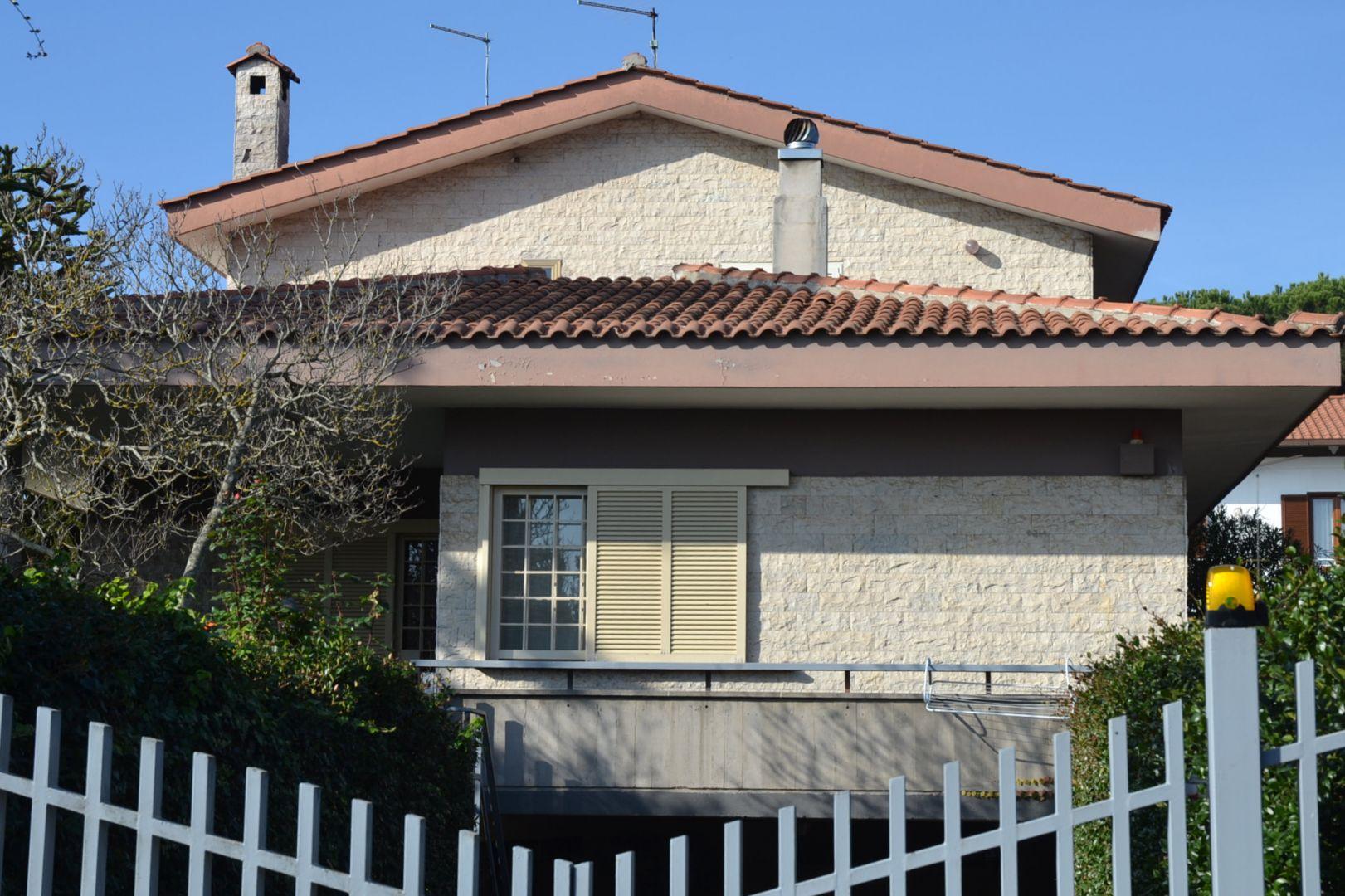 Cassia capranica villa in quartiere residenziale di pregio for Immobiliare affitto ufficio roma